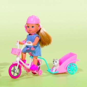 Кукла Эви на велосипеде с собакой
